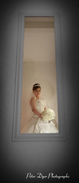Turkish-wedding-photography-at-Fanhams-hall-Herfordshireby-Peter-Dyer-Photographs-north london_10