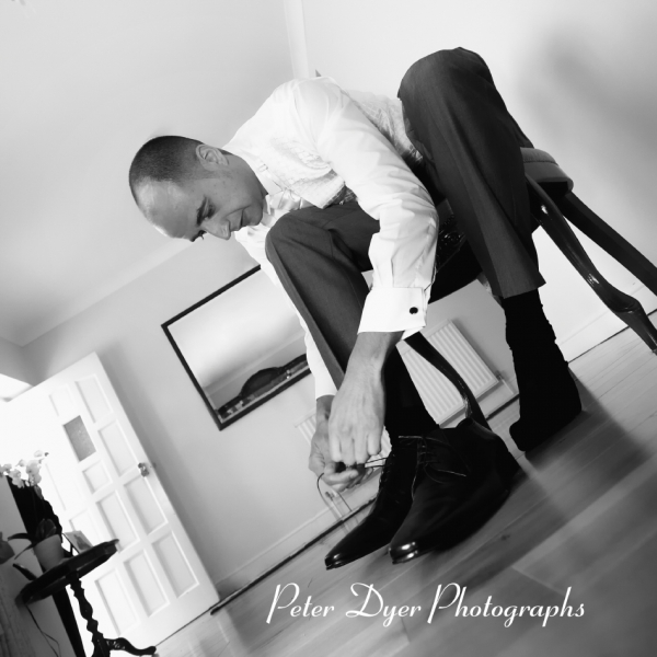 Turkish-wedding-photography-at-Fanhams-hall-Herfordshireby-Peter-Dyer-Photographs-north london_2