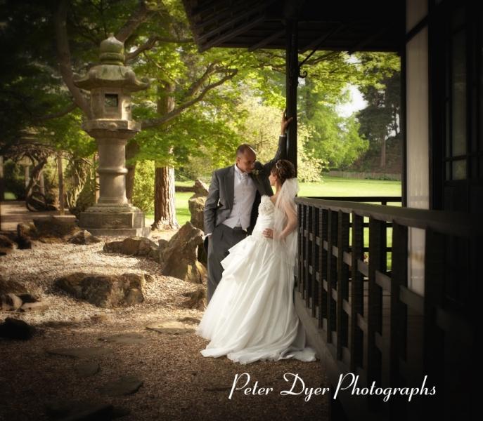 Turkish-wedding-photography-at-Fanhams-hall-Herfordshireby-Peter-Dyer-Photographs-north london_30