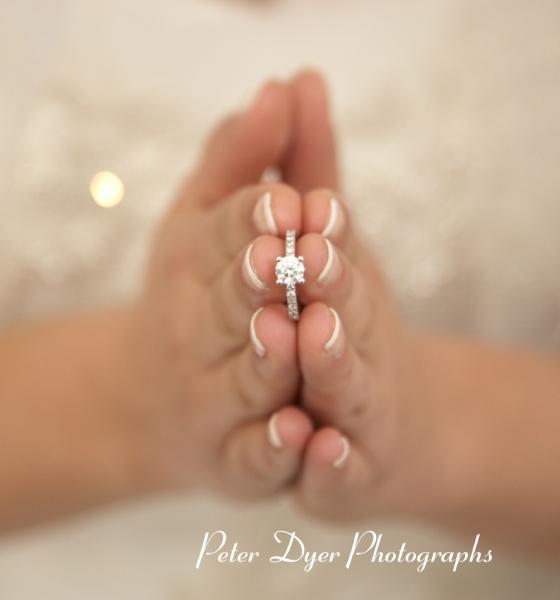 Turkish-wedding-photography-at-Fanhams-hall-Herfordshireby-Peter-Dyer-Photographs-north london_9