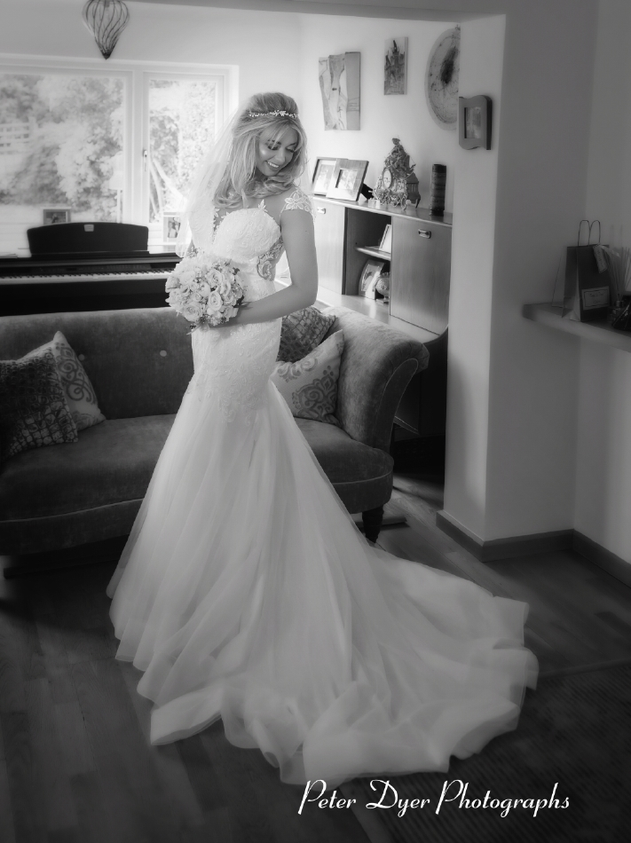Bridal-wedding-photographs-enfield-By-Peter-Dyer-Photographs-1