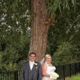 Tewin-bury-farm-wedding-photographby-Peter-Dyer-Photographs-North-London_11