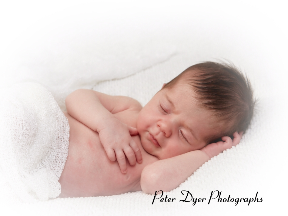 Newborn-photography_by-Peter-Dyer-Photographs-Enfield_3