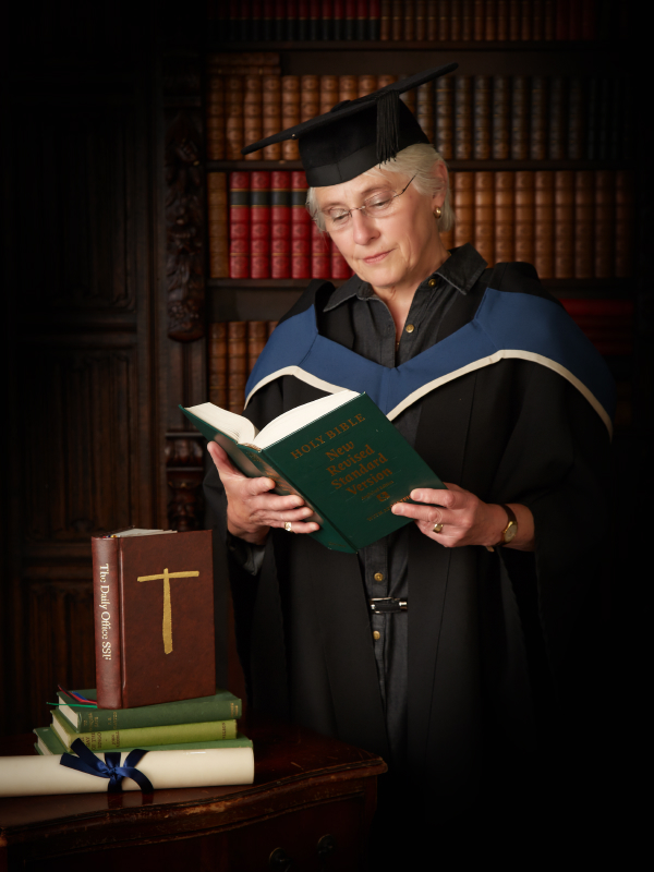 Graduation photography_by Peter Dyer Photographs North London