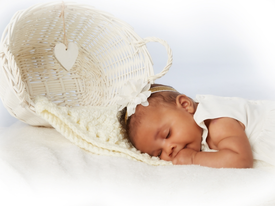 Newborn photography _by Peter Dyer Photographs_0