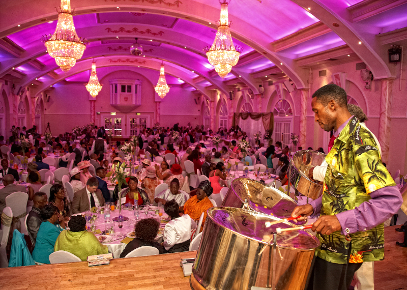 wedding-reception-photography-in-enfield_021