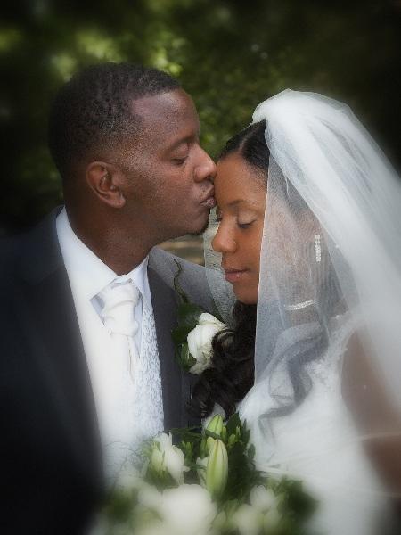 romantic-wedding-photography-london_088