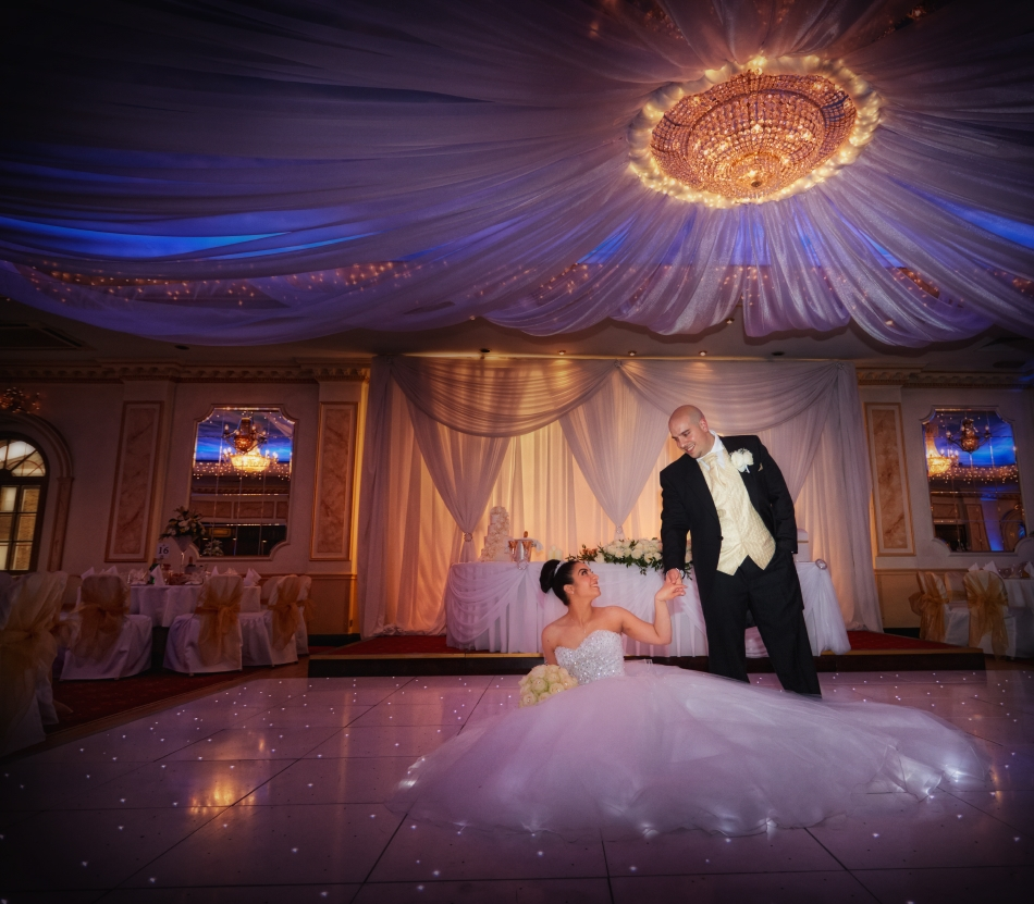 The Regency Banqueting Suite Wedding Photography_by Peter Dyer Photographs_8