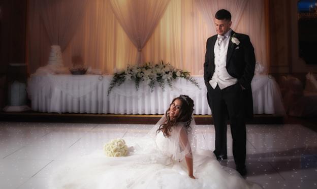 wedding photographs at Regency Banqueting Suite